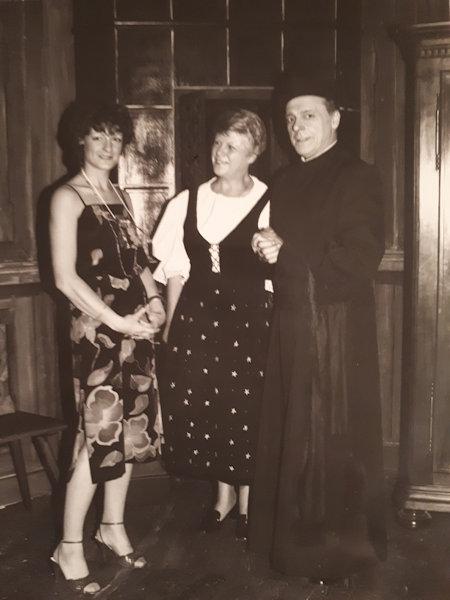 Zone de Texte:  Nicole, Yvette et Roger Burckel en 1982